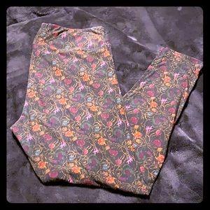 Black floral Lularoe TC leggings
